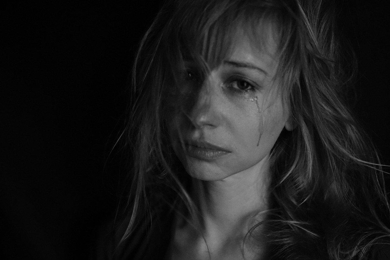 Ex Freund Trauer Tränen zerstört Tipps Tricks mit Trennung umgehen
